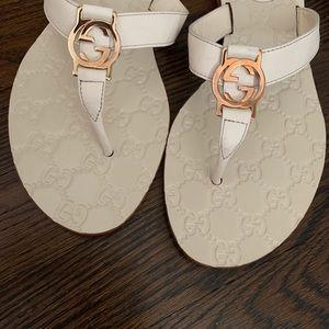 508fc8d5301 Women Gucci Flat Sandals on Poshmark